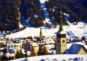 2388 Davos Platz mit Kirche St. Johann und Marienkirche